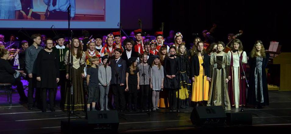 """Zespół wokalny """"Wiolinki"""" - prowadzenie: Bożena Szopa (foto: dzięki uprzejmości organizatora)"""