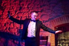 Teatr VIS A VIS, Krzysztof Bigaj śpiewa Sinatrę