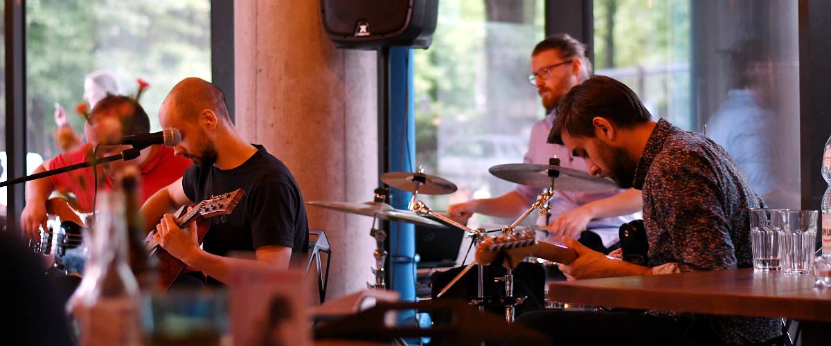 Out Of The Blues – (Huta Metalu), na scenie Cafe Zouza – relacja