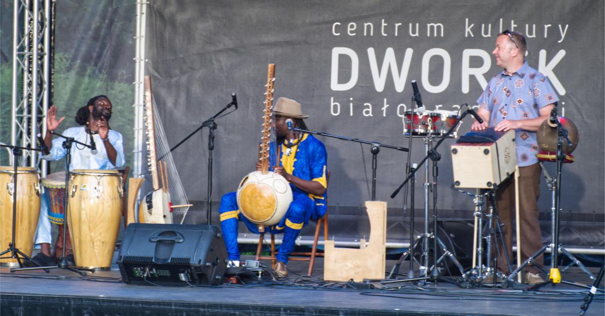 Ablaye Badji & Amadou Fola w Dworku Białopradnickim – relacja i fotorelacja